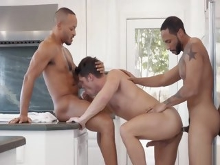 big-dicked Big-dicked tops team up to fuck from both sides tops